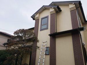 窓のサッシからの雨だれの跡を調査しました|神奈川県横浜市泉区O様邸